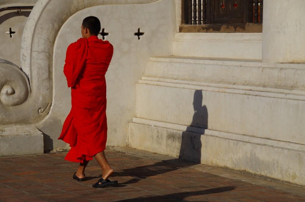 Un monaco Bhuddista qui a Chiang Mai. La tranquillità ed i sorrisi non mancano mai in questa parte del mondo.
